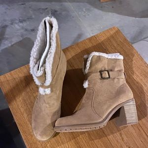 Cute Woman's Ankle Buckle Boots